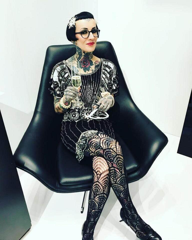 Sarah Settgast - Aufnahme auf Sessel