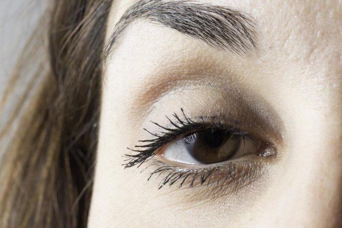 Hängendes Augenlid (Ptosis)
