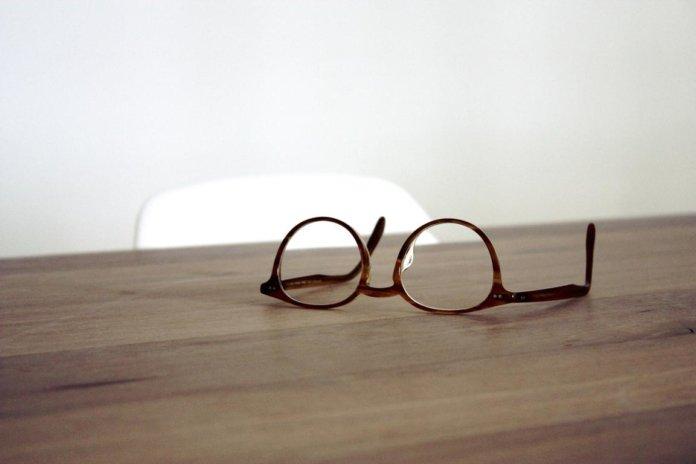Kunststoffglas für Brillen