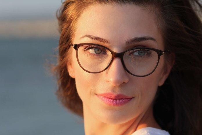 Konkavlinsen: Brillengläser bei Kurzsichtigkeit