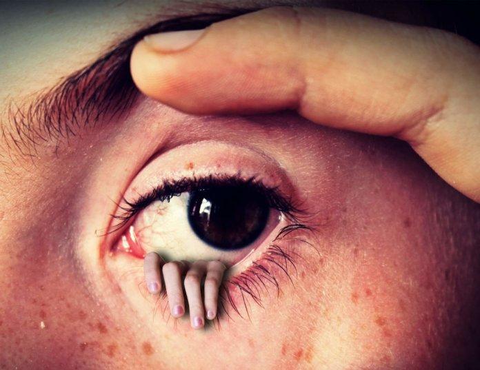 Fremdkörpergefühl bei Kontaktlinsen