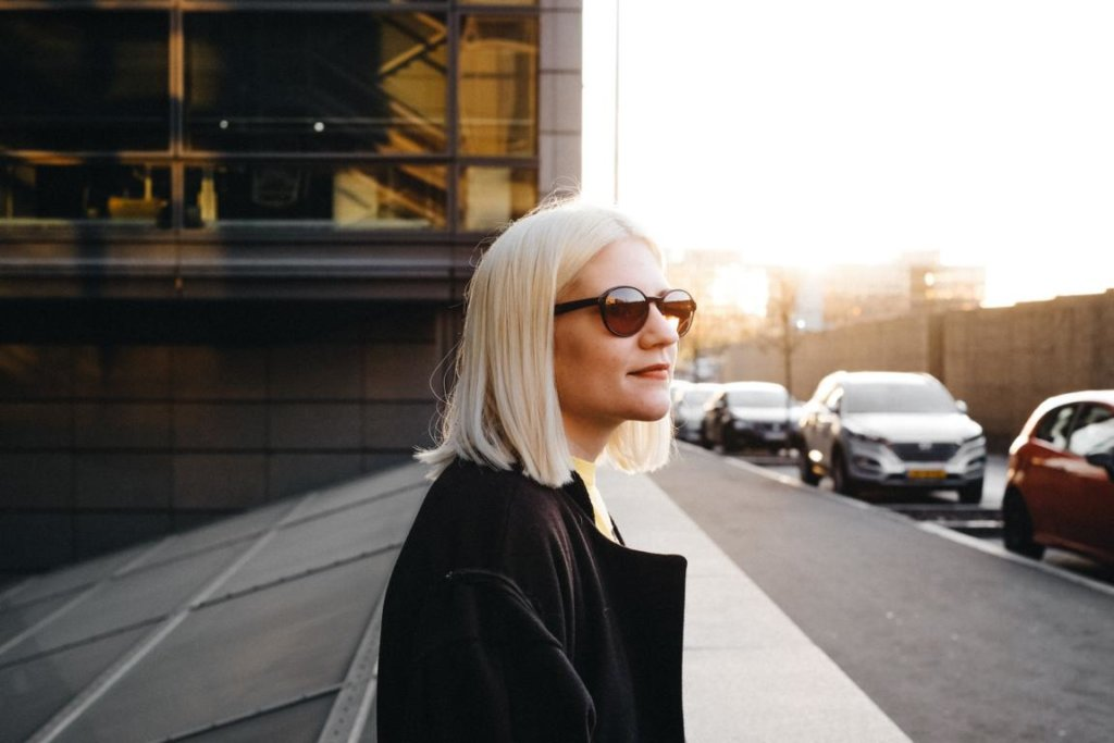 Sonnenbrille im Herbst