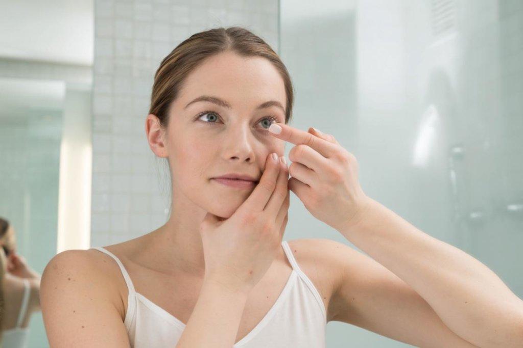 Vor dem ersten Einsatz von Kontaktlinsen