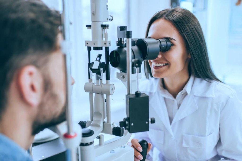 Netzhaut des Auges: Untersuchung