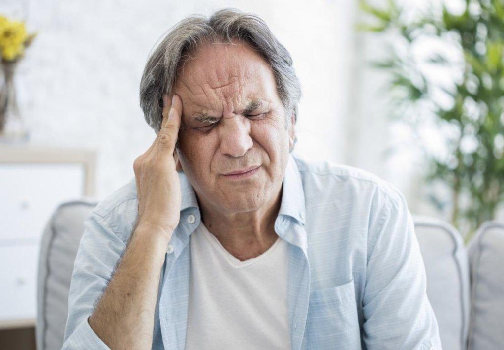 Kopfschmerzen bei Arteriitis temporalis