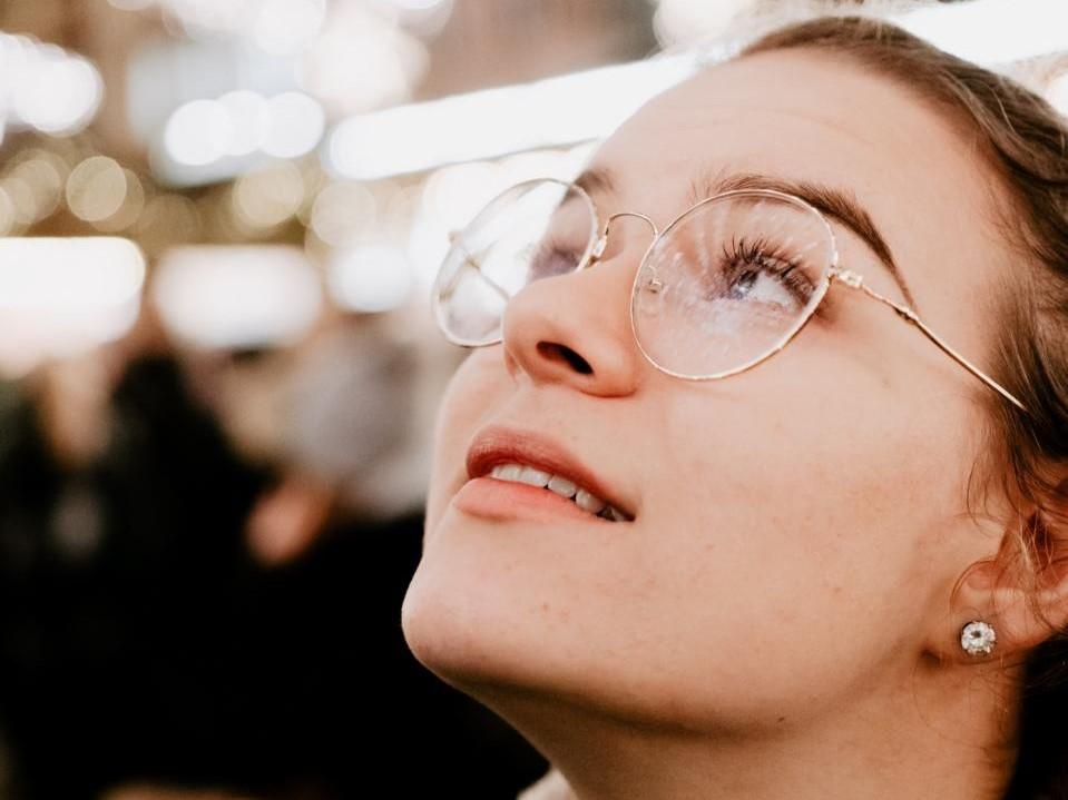 Brillenmaterial: Metall und Naturhorn